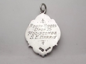 1937 Balham Rough Stuff 25 medal presented to SE Harris of Addiscombe (back)